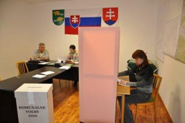 Nových starostov si budú voli 27. októbra v piatich obciach.