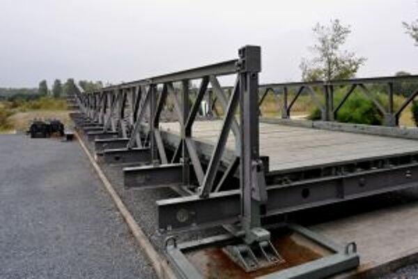 Podobný most by mohol odľahčiť dopravu na hlohoveckom klavnom ťahu.