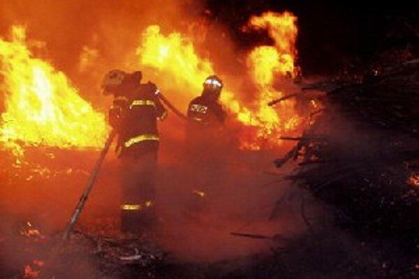 V minulom roku najčastejšie horelo, hasiči zaznamenali aj niekoľko planých poplachov.