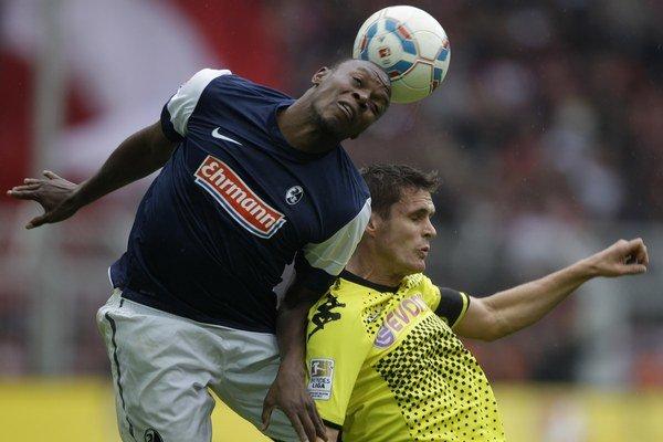 Karim Guédé v drese Freiburgu.