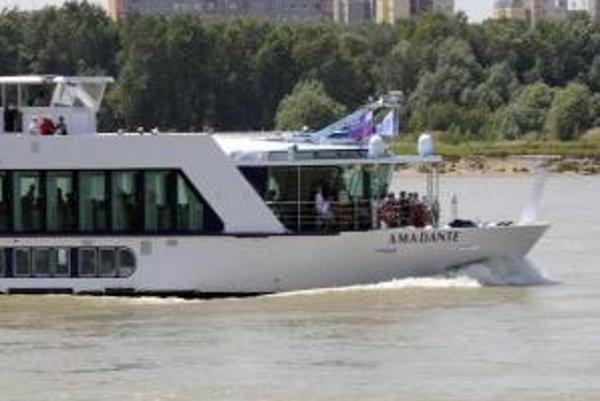 Po Dunaji by mohli premávať nie len výletné lode, ale aj lodné autobusy.