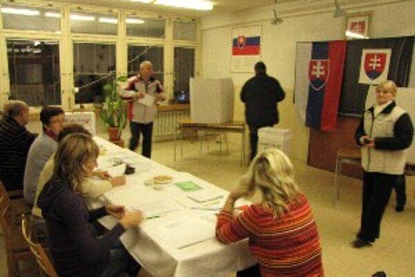 Volebná miestnosť na sídlisku Linčianska.