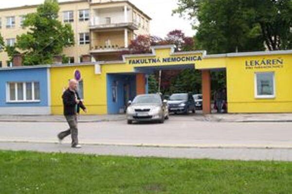 Trnavská fakultná nemocnica musí počkať na ďalšiu výzvu.