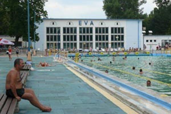 V Piešťanoch plánujú postaviť nové kúpalisko. V tomto roku legendárnu Evu bude prevádzkovať mesto z vlastných zdrojov.