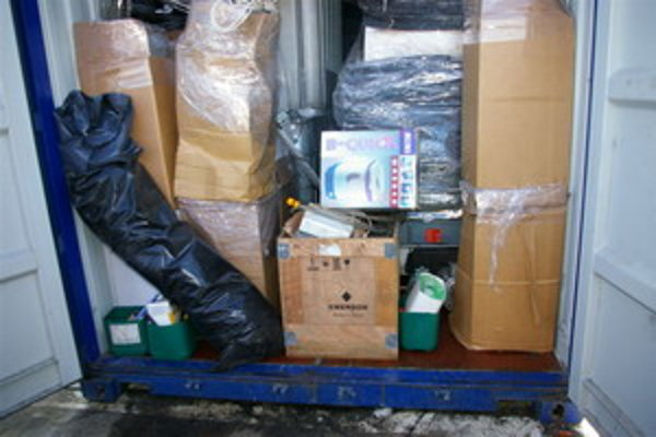 Nelegálne zariadenie objavili v lodnom kontajneri.