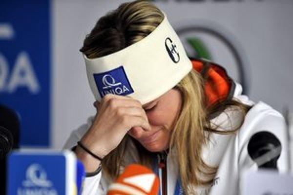 Zuzulová sa na tlačovke rozplakala.