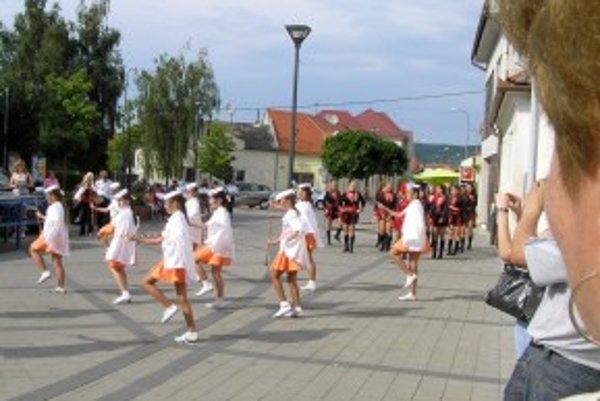 Promenádny koncert v Hlohovci.