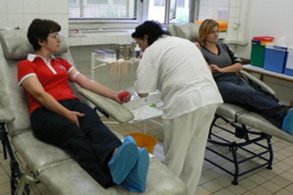 Darovaním krvi chcú pomôcť i motivovať.