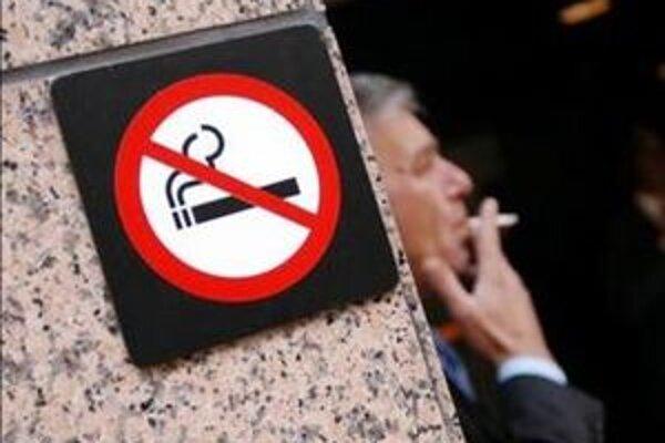 Kaviarne pre nefajčiarov zaplatia v Trnave menšie nájomné.
