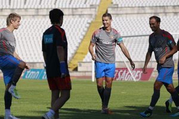 Carvalho (úplne vľavo) na tréningu Realu Madrid.