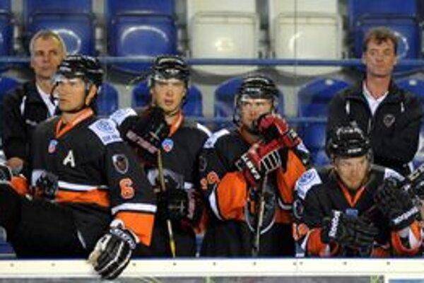 Radim Rulík (vpravo) na lavičke HC Lev.