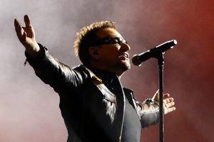Spevák skupiny U2 Bono Vox.
