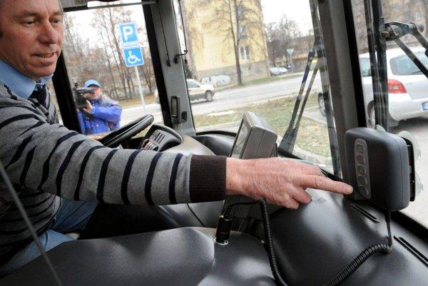 Vodiči autobusov musia absolvovať opakovane lekárske prehliadky aj psychologické testy.