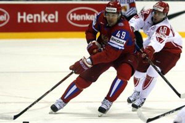Jevgenij Arťuchin (vľavo) v súboji s Dánom Jesperom Jensenom.