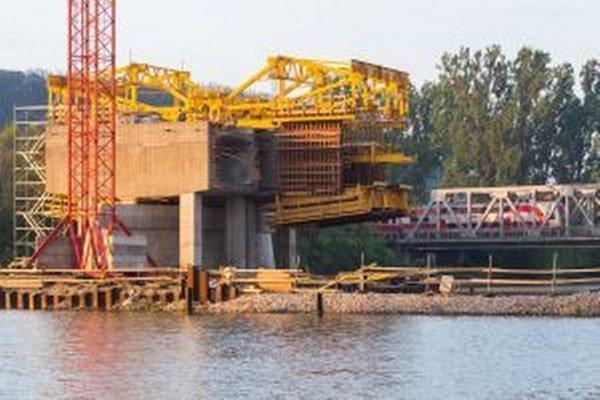 Železničný most čaká rozsiahla betonáž