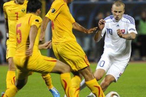 Mareka Saparu (v bielom) okrem gólu teší aj blížiace sa otcovstvo.