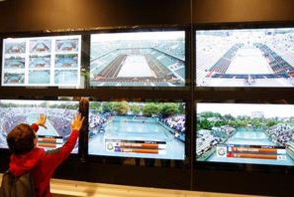 Na Roland Garros museli štart piateho hracieho dňa kvôli dažďu posunúť.