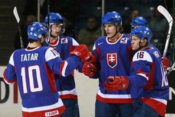 Slovenskí hokejisti postavili základ úspechu v prvej tretine, ktorú vyhrali 2:0.