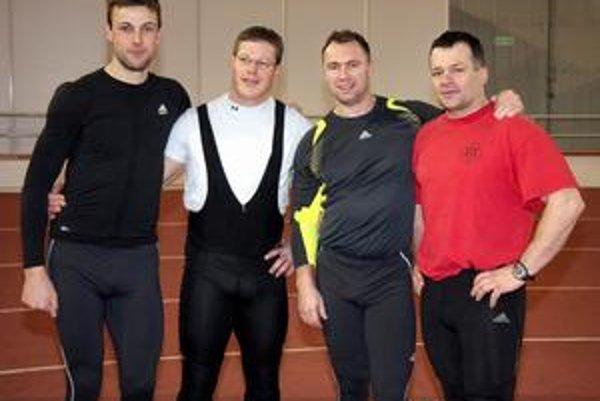 Zľava: Členovia slovenského bobového tímu Marcel Lopuchovský, Martin Tešovič, Róbert Krestanko a Milan Jagnešák.