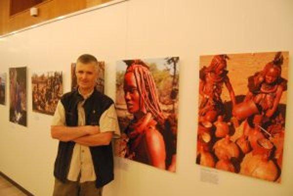 Filmár Pavol Barabáš predstavuje na fotografiách našu planétu.