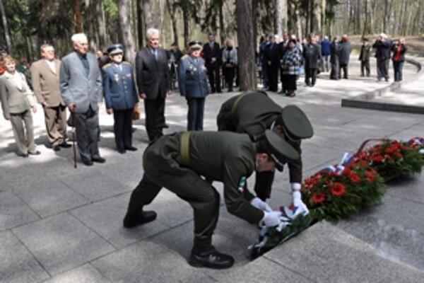 V Trenčíne si pripomenuli 67. výročie oslobodenia mesta