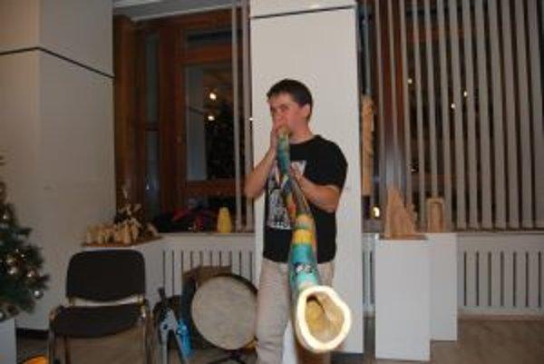 Branislav Hargaš vyrobil nový originálny nástroj tuhar.