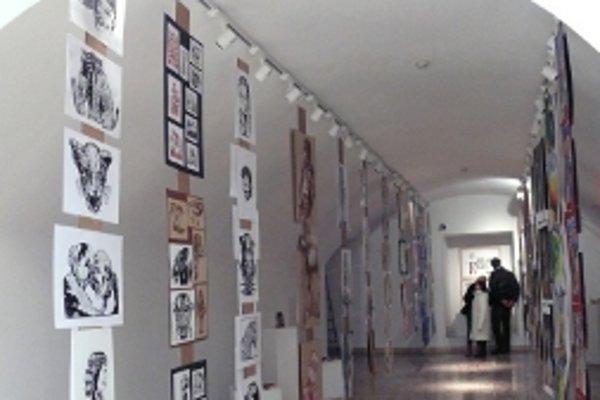 Výstava prác žiakov ZUŠ potrvá v galárii do 8. januára.