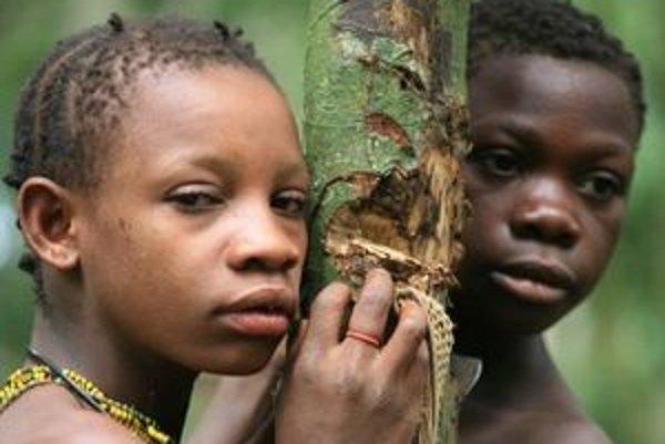 Pygmejov, s ktorými strávil Barabáš niekoľko dní, nazval Nahé deti džungle.