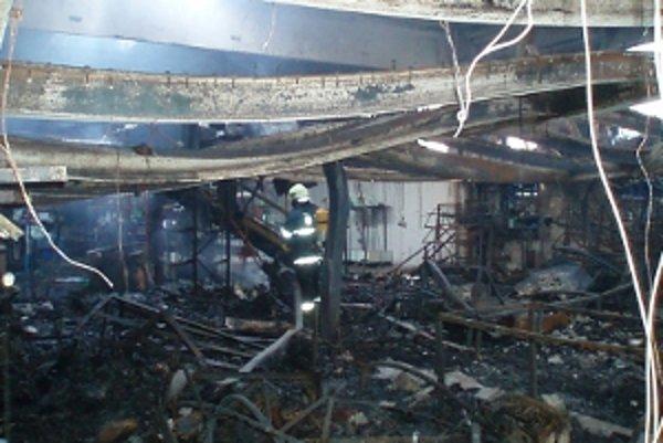 Výrobná hala, v ktorej horelo.