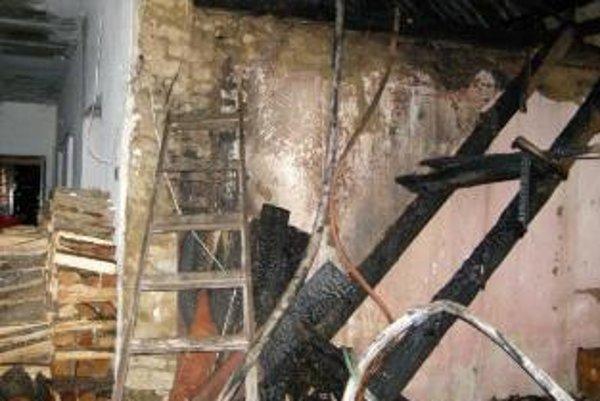 Požiar rodinného domu v Čachticiach založili úmyselne