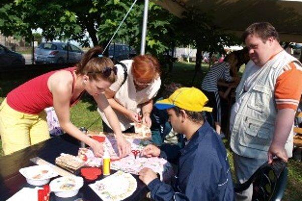 Na Farbičkky-Čarbičky do Trenčína sa každoročne tešia klienti sociálnych zariadení z blízkeho i vzdialenejšieho okolia.