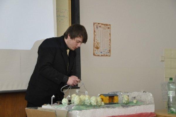 Študent Milan Kubíček.