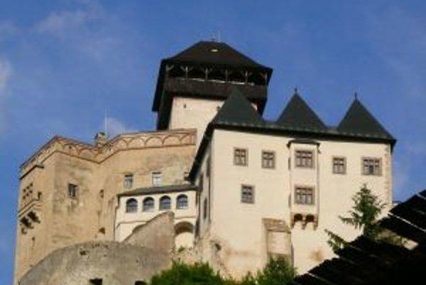 Na revitalizácii hradu má svoj podiel Karol Chudomelka.