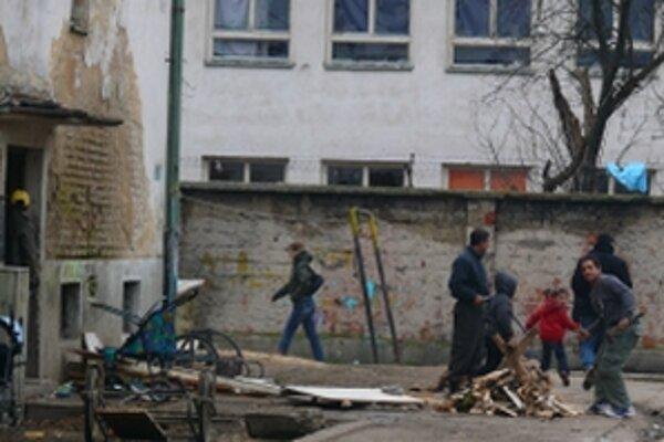O budúcnosti Bánovských Rómov mala rozhodnúť anketa