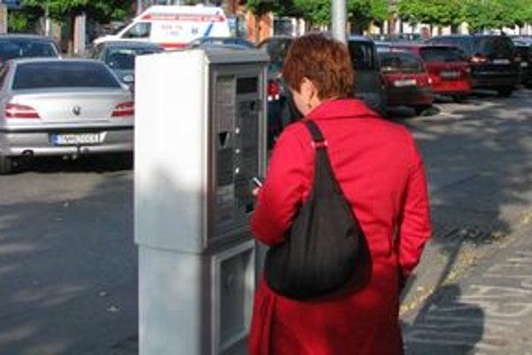 Mesto vraj na parkovacích automatoch prerobilo