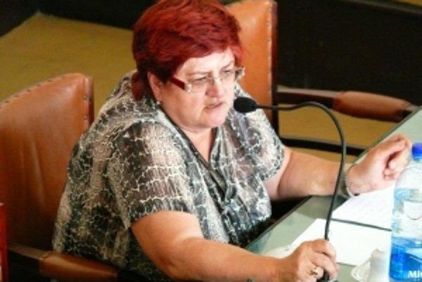 Kandidatúru Magdy Košútovej na post predsedníčky Trenčianskeho kraja potvrdila krajská rada Smeru.