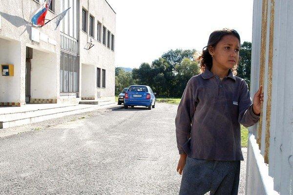 Vládny splnomocnenec Peter Pollák sa pustil do zmeny vzdelávania rómskych detí. Výsledky zatiaľ nie sú.
