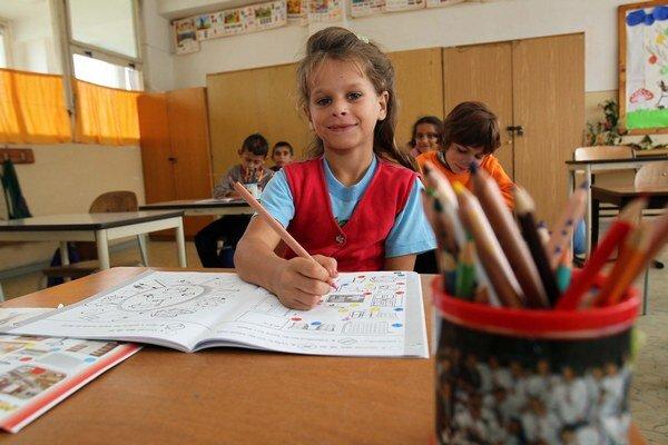 Rómskej kultúry v slovenských školách je málo, tvrdí Rada Európy.