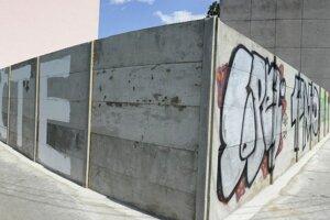 Segregačné múry a ploty na SlovenskuMúr v Košiciach