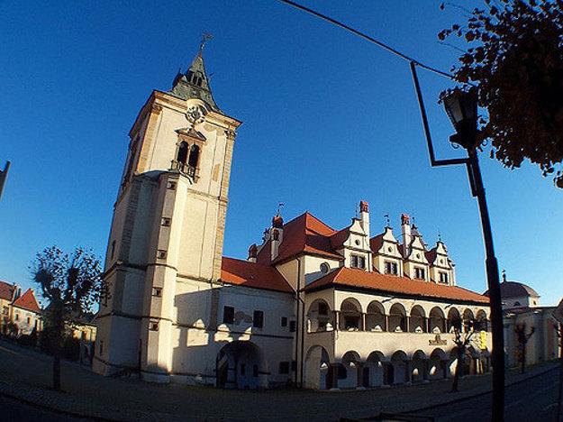 Najvyšší drevený gotický oltár je v kostole sv. Jakuba v Levoči.