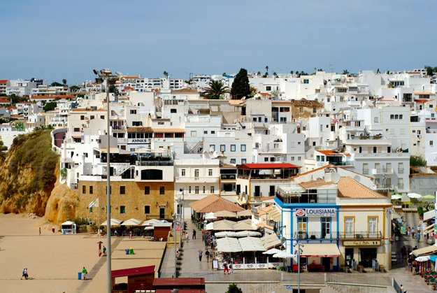 Dedinky a mestečká Algarve upútajú aj tradičnou architektúrou.