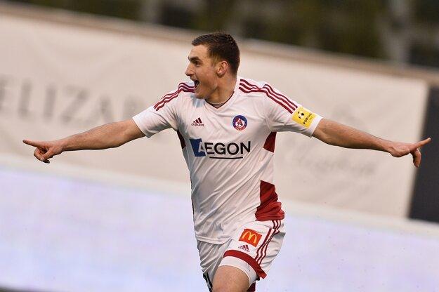 Trenčan Matúš Bero po góle v zápase 26. kola futbalovej Fortuna ligy AS Trenčín - Spartak Myjava.
