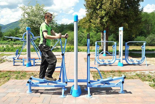 Cvičisko na Gäceli zaplatila firma, použitie je bezplatné.