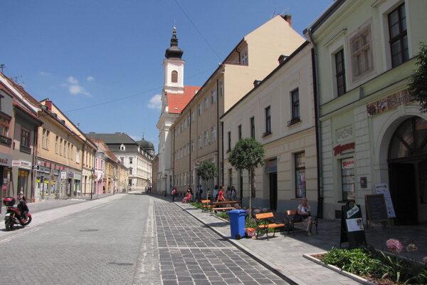 Hviezdoslavova ulica v centre mesta.