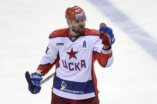 Líder CSKA Moskva Alexander Radulov.