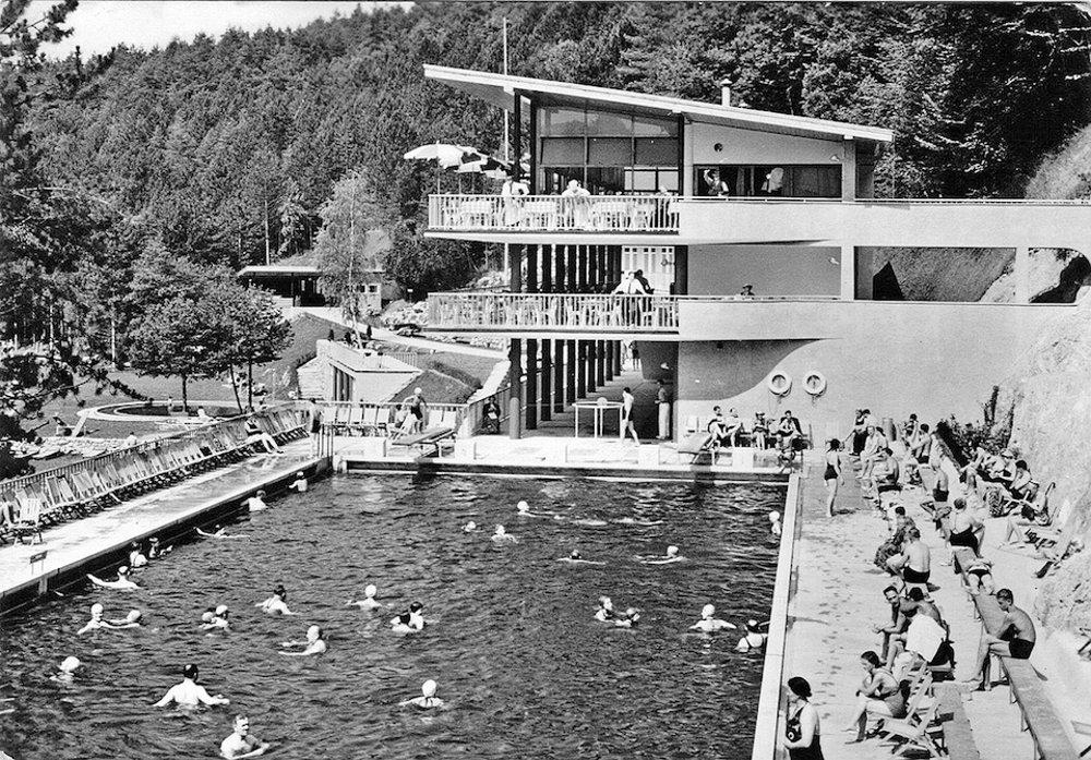 Kúpalisko Zelená Žaba v Trenčianskych Tepliciach. bežne sa tu kúpalo aj dvetisíc ľudí denne.