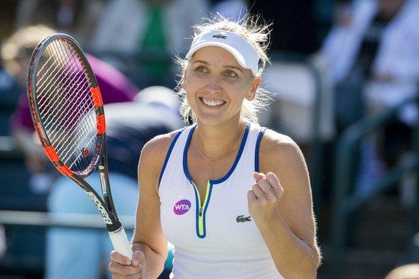 Jelena Vesninová sa teší z víťazstva nad Sarou Erraniovou.