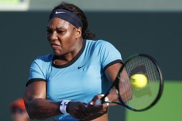 Ženskému tenisu aj naďalej vládne Serena Williams.