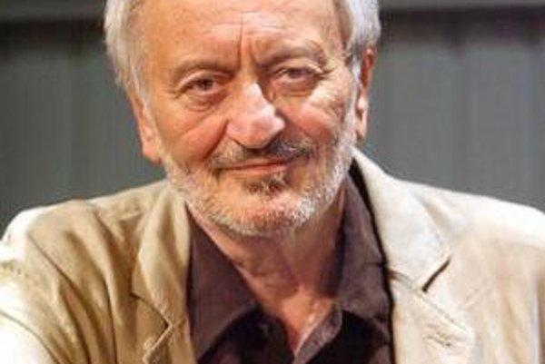 Milan Lasica sa narodil 3. februára 1940, vyše štyridsať rokov vystupoval v dvojici s Júliusom Satinským. Je  humoristom, dramatikom, scenáristom, textárom, hercom, spevákom, moderátorom, režisérom, publicistom.