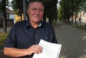 Igor Mihalus, predseda petičného výboru, spája nespokojných Bojničanov.